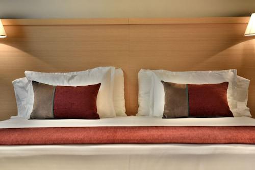 亞克雷科雷塔酒店/