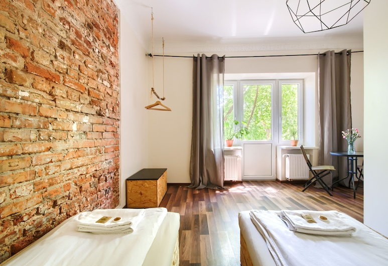 Lull Hostel, Varsovia, Habitación clásica con 1 cama doble o 2 individuales, balcón, planta baja (Bialy), Habitación