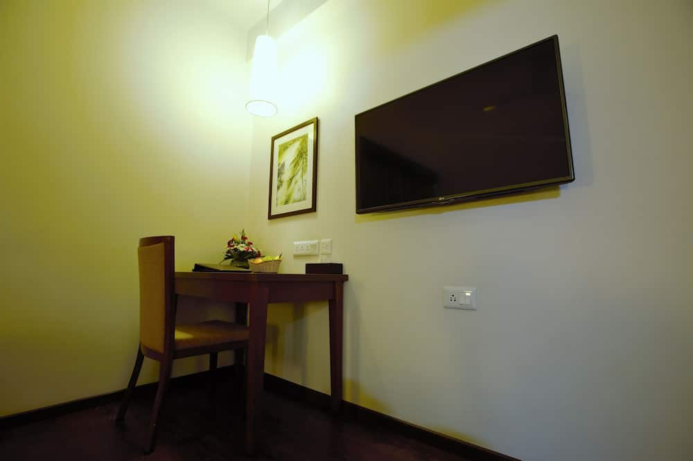 Comfort Room, Accessible, Private Bathroom - Living Area