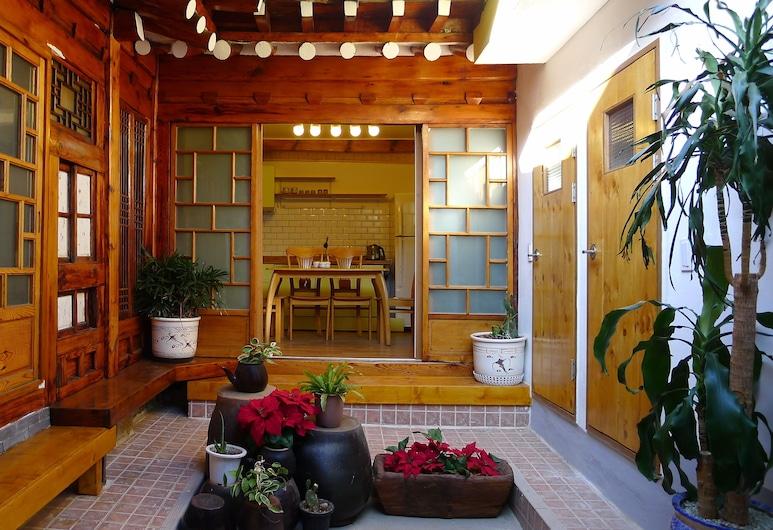 HanOK Guest House 202, Seoul