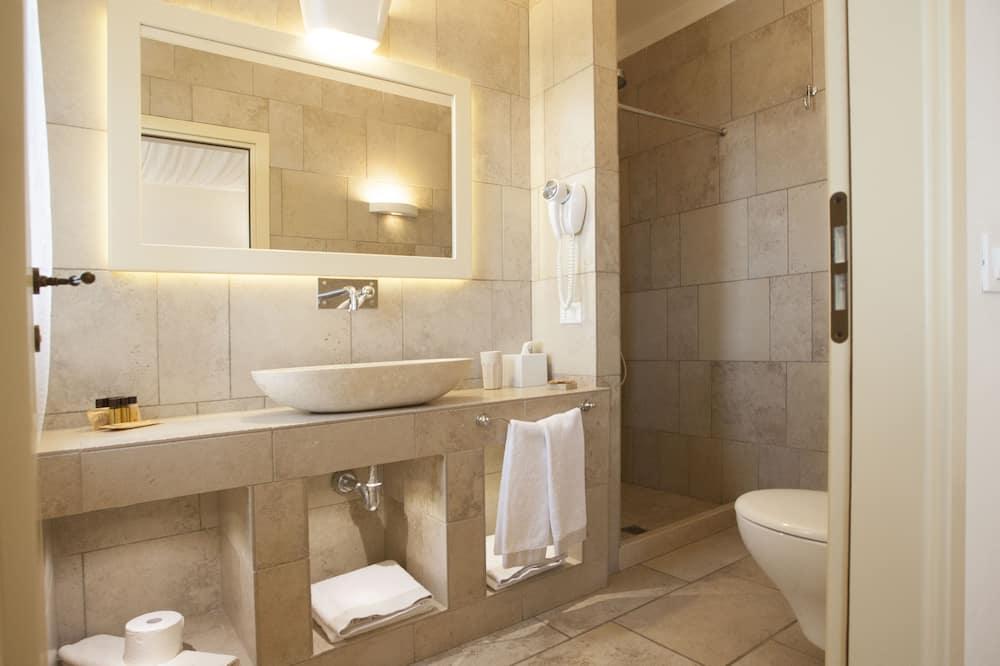 Deluxe Room, Terrace - Bathroom