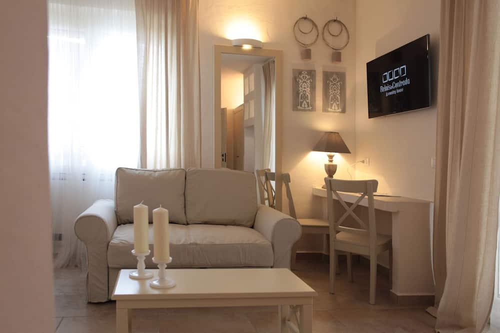 Deluxe Room, Terrace - Living Room