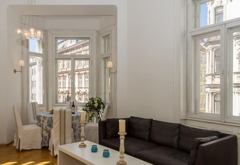 Alsergrund Luxury by Welcome2vienna, Vienna, Apartment, 3 Bedrooms, Kitchen, City View (Cleaning Fee Included), Living Area
