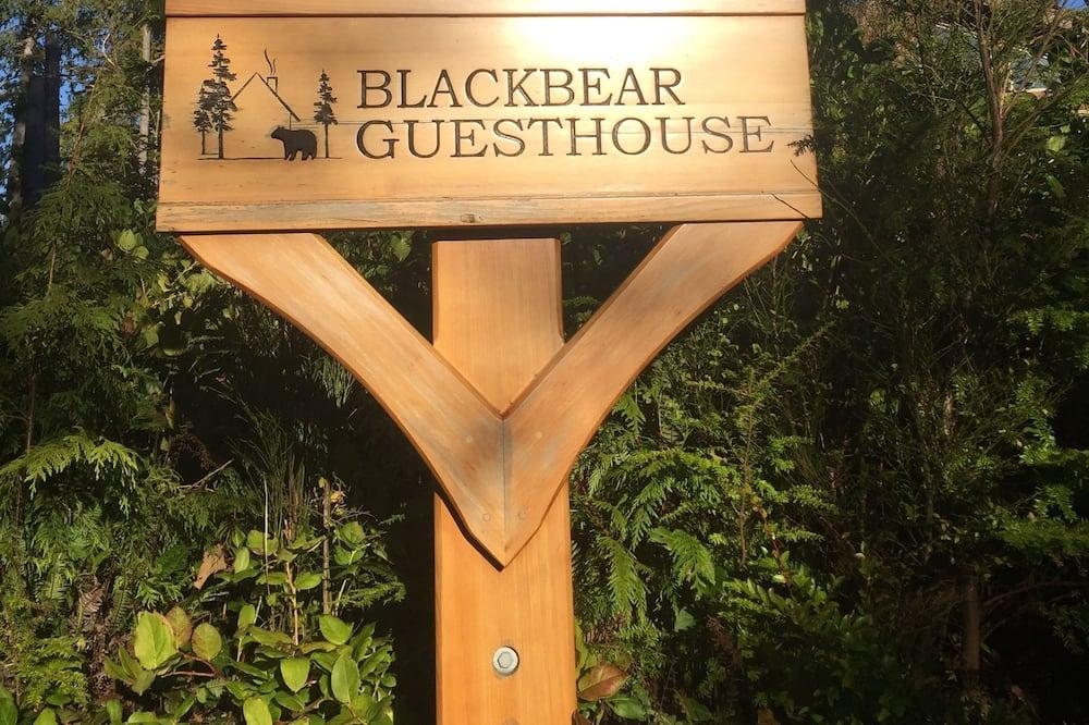 Black Bear Guesthouse