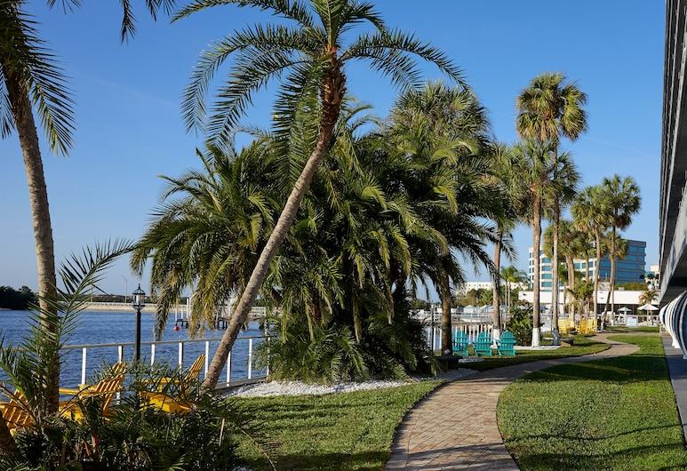 The Godfrey Hotel & Cabanas Tampa, Tampa, Bairro em que se situa o estabelecimento
