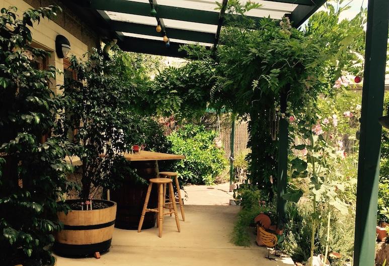 Clarevale Cottage B&B, Clare, Jardín