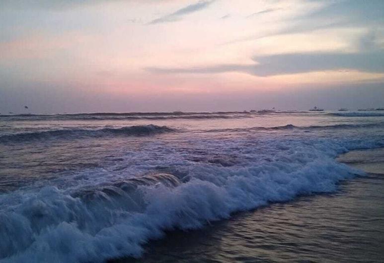Arudra at Cisco's Beach Shack & Cottages, Baga, חוף ים