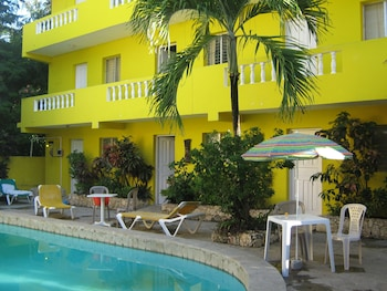 Picture of Coco Hotel in Sosua