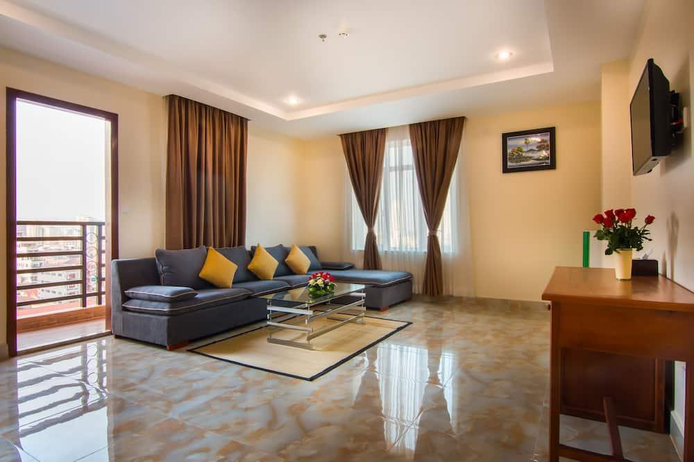 Deluxe Balcony Twin Room - Living Room