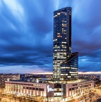 Wroclaw — zdjęcie hotelu 40th+ Floor Luxury Apartments in Sky Tower