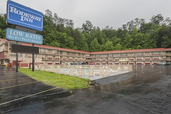 Picture of Rodeway Inn on the Parkway in Pigeon Forge