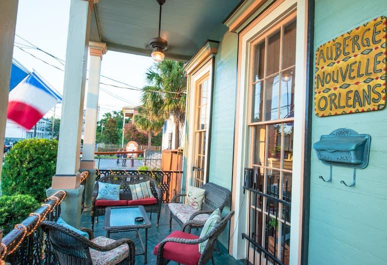 Auberge Nouvelle Orleans Hostel, New Orleans, Hotel Front