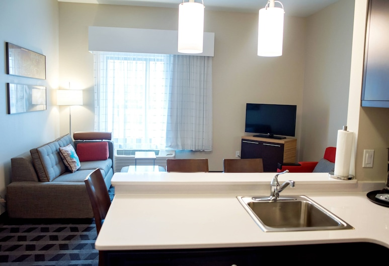 TownePlace Suites by Marriott Ames, Ames, Suite, 2 Bedrooms, Non Smoking, Guest Room