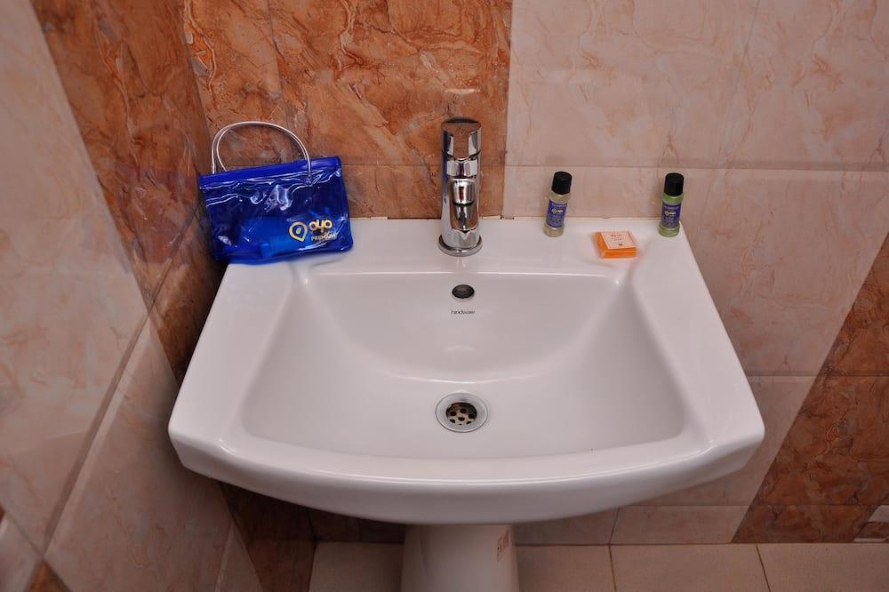 標準雙人或雙床房, 私人浴室 - 浴室洗手台