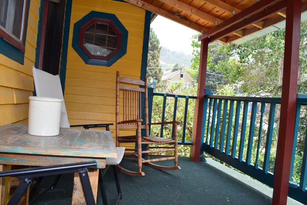 Junior Suite, Kitchen, Mountain View (2nd Floor) - Balcony