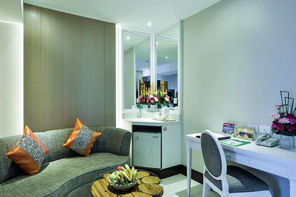 Neo Suite - Living Area