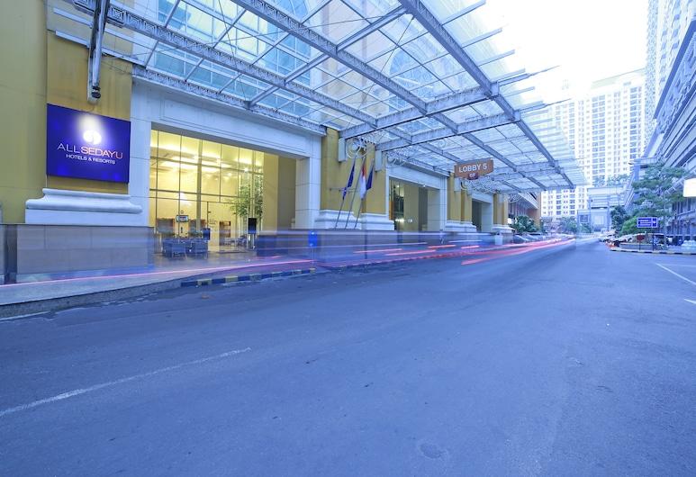 โรงแรมออลเซดายุ เคลาปา กาดิง, จาการ์ตา, ทางเข้าโรงแรม