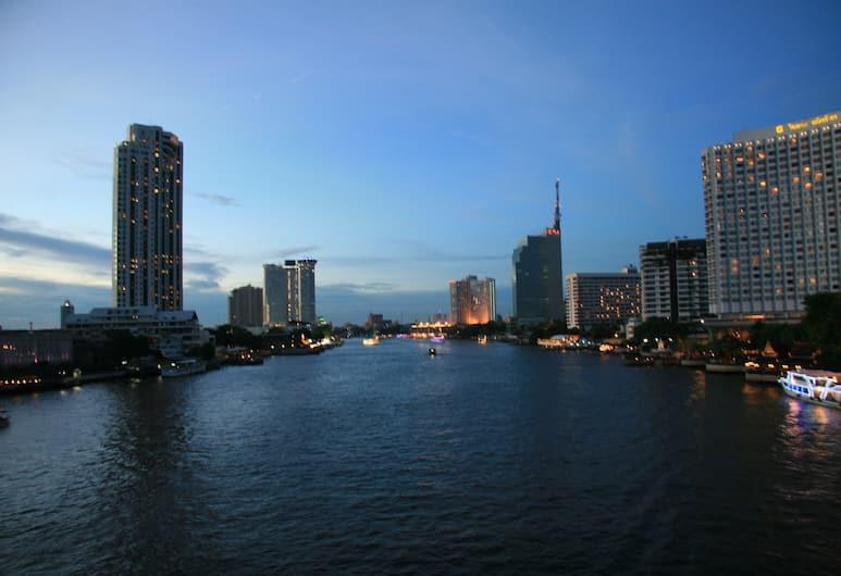 Bangkok Check Inn, Bankokas, Įėjimas į viešbutį