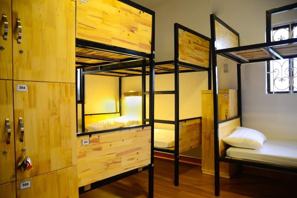 Superior Shared Dormitory, Women only, 2 Bathrooms - Living Area