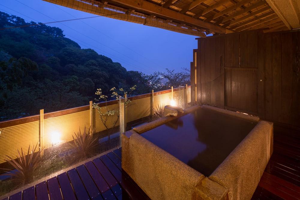 202 Fujibakama, Ocean View - Outdoor Spa Tub