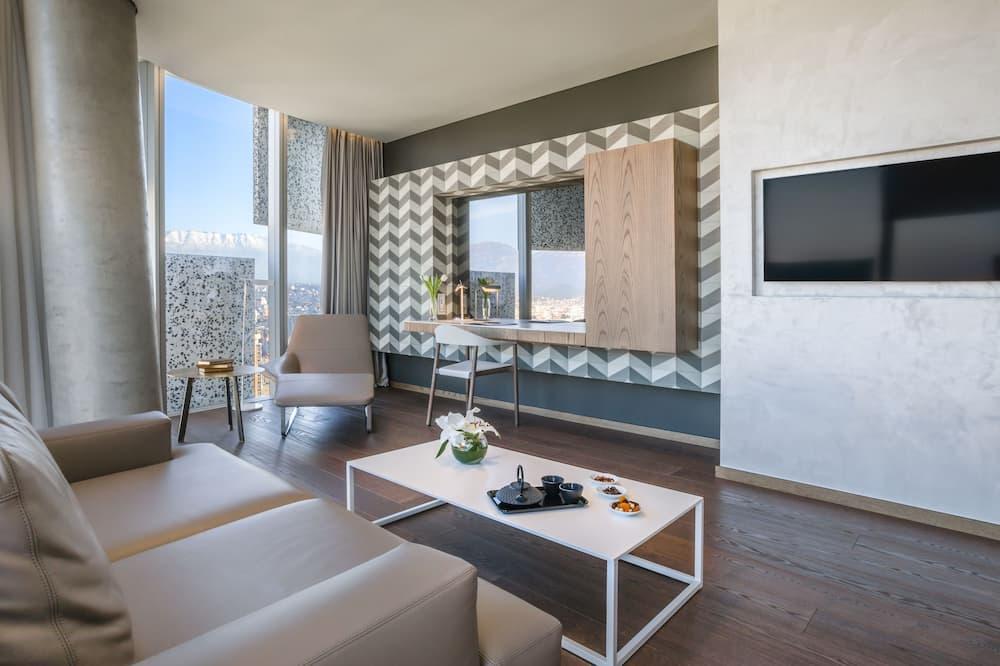 Suite, 1 Bedroom, City View - Living Area