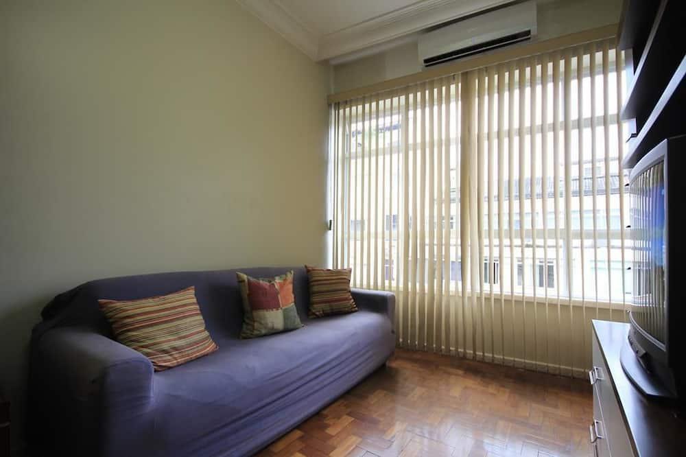Стандартні апартаменти, 2 спальні, холодильник та мікрохвильова піч - Вітальня