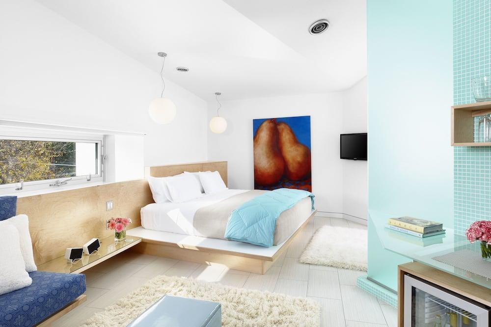 Suite – premium, 1 kingsize-seng, privat bad, gårdsplassområde (White Suite) - Utvalgt bilde