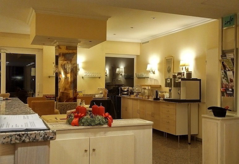 THE EDEN HOTEL - AM HOFGARTEN, Bonn, Lobby