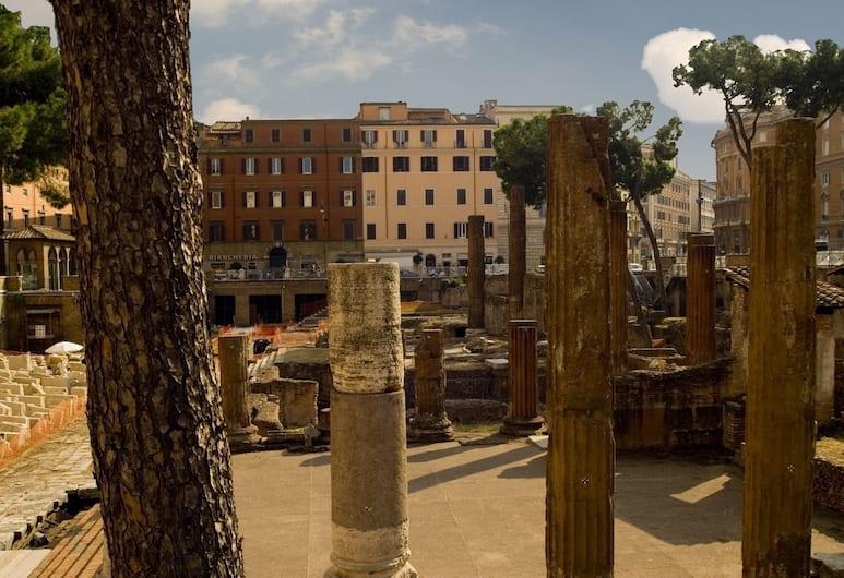 Residenza Gens Julia, Rom, Exteriör