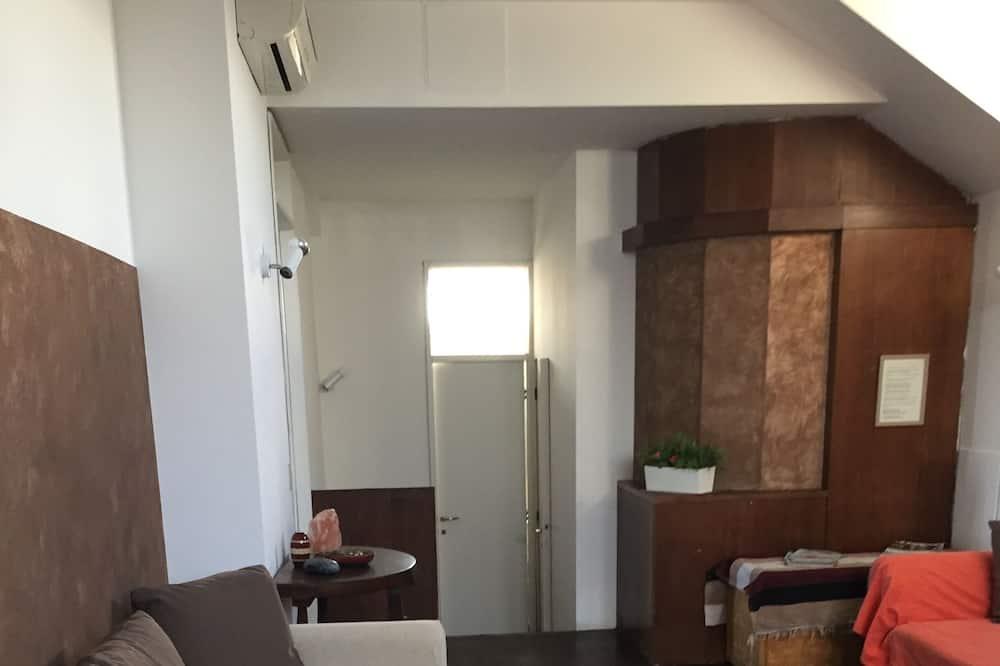 جناح لرجال الأعمال - غرفة نوم واحدة - بشرفة - منظر للمدينة - غرفة معيشة