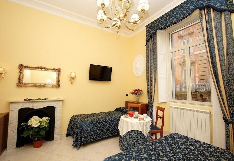 Caroline Suite, Rome, Triple Room, Guest Room