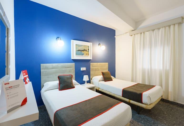 OYO Hostal Paco, Marbella, Economy tvåbäddsrum, Gästrum
