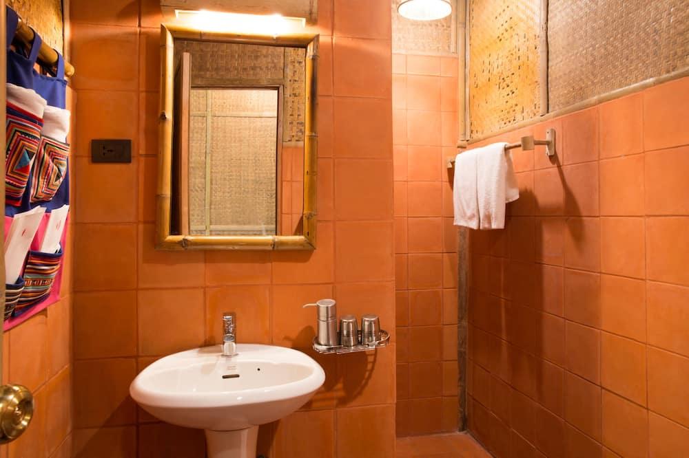 Traditional Room, Private Bathroom, Garden View - Bathroom