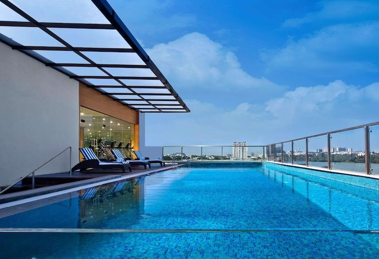 Country Inn & Suites by Radisson, Bengaluru Hebbal Road, Bengaluru, Buitenzwembad