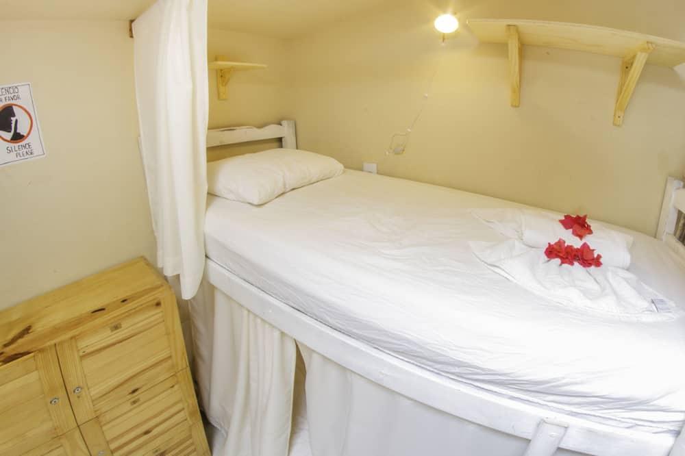 Dormitorio compartido tradicional, dormitorio mixto, 2 baños, planta baja - Sala de estar
