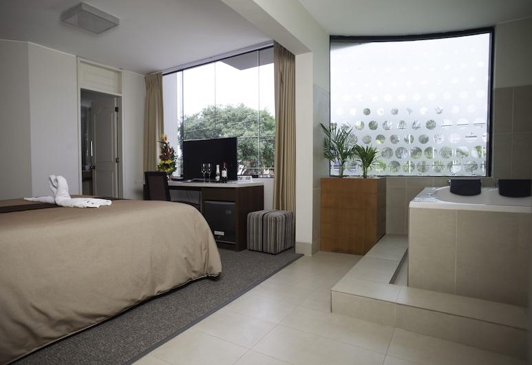 Palmetto La Perla, Callao, Suite, Hot Tub, Guest Room View