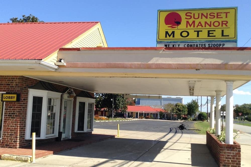 Sunset Manor Motel, Chesapeake