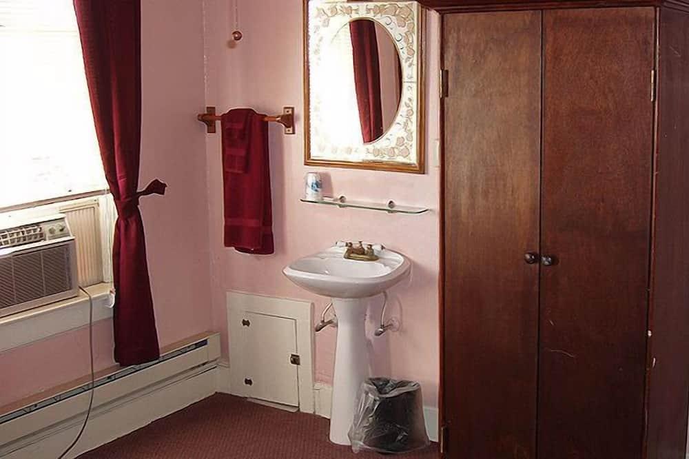 Kamer, 1 queensize bed - Wastafel