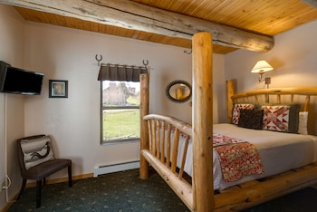Picture of Mariposa Lodge Bed and Breakfast in Steamboat Springs