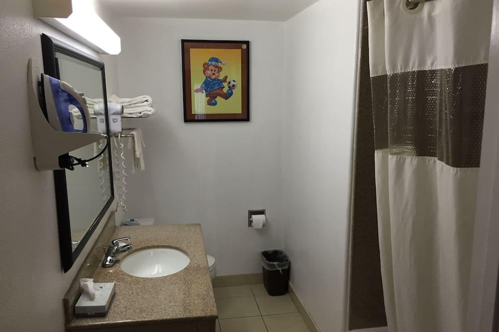Стандартний номер, 2 ліжка «квін-сайз» - Ванна кімната