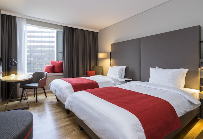 Holiday Inn Hamburg - City Nord, Hamburg, Room, 2 Twin Beds, Non Smoking, Guest Room
