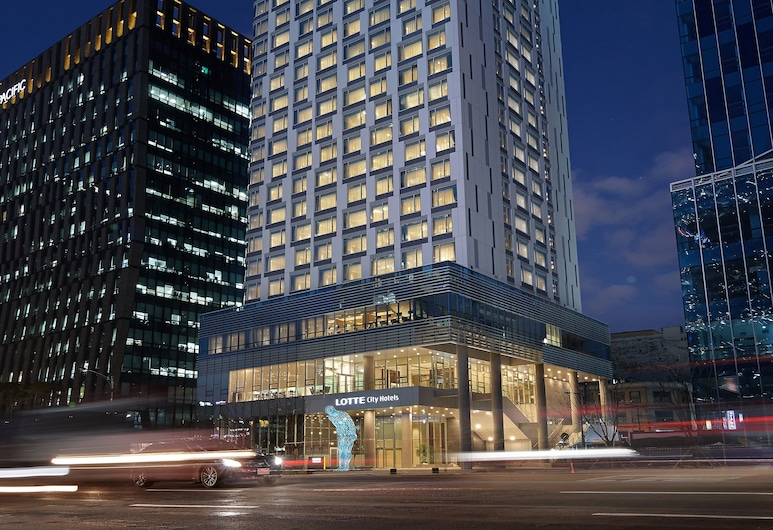 LOTTE City Hotel Myeongdong, Seoul, Hotellfasad - kväll