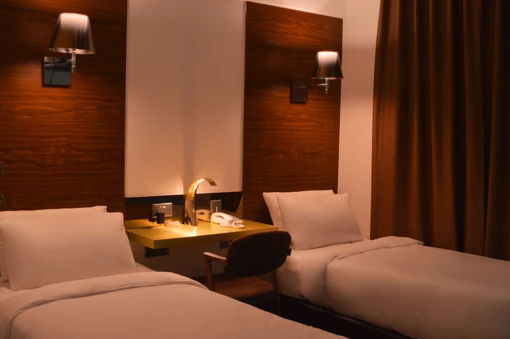 Deluxe Twin - Guest Room