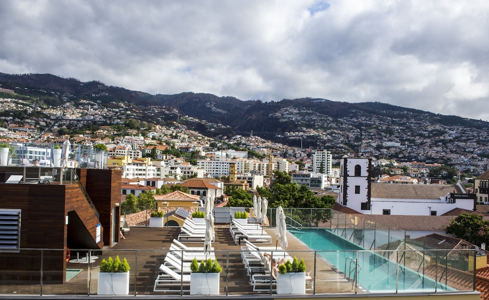 Castanheiro boutique hotel funchal for Design boutique hotel funchal