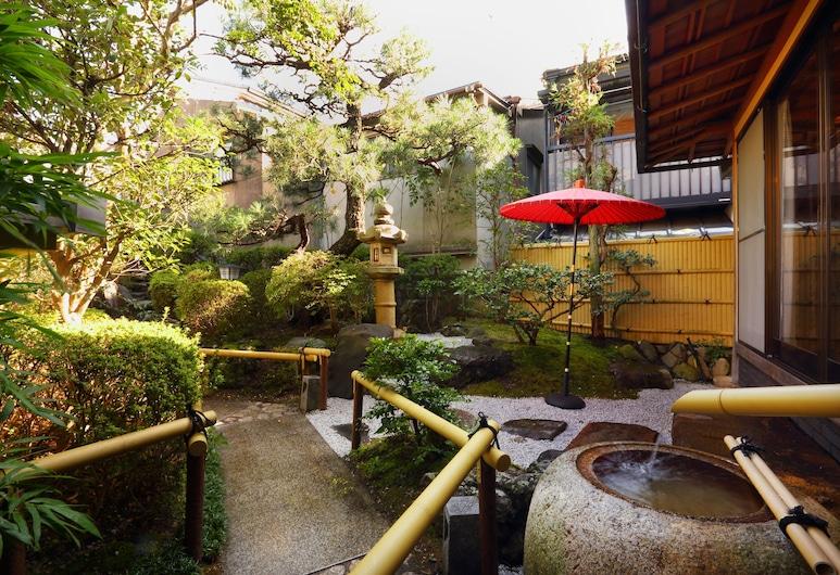 Kyo-machiya Stay WAKA Fushimiinari-tei, Kyoto, Garden