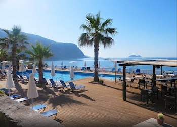 Enter your dates to get the Zakynthos hotel deal