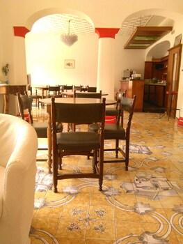 Naktsmītnes Villa Thomas B&B attēls vietā Forio d'Ischia