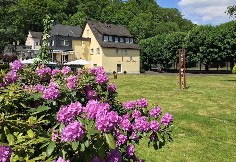 Hotel & Restaurant Menge, Arnsberg, Jardín