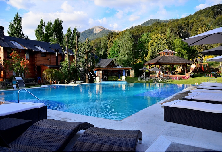 La Comarca, Villa La Angostura, Alberca al aire libre