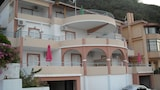 Choose This Cheap Hotel in Kefalonia